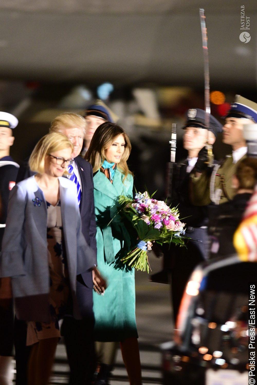Melania Trump w zielonym płaszczu w Polsce