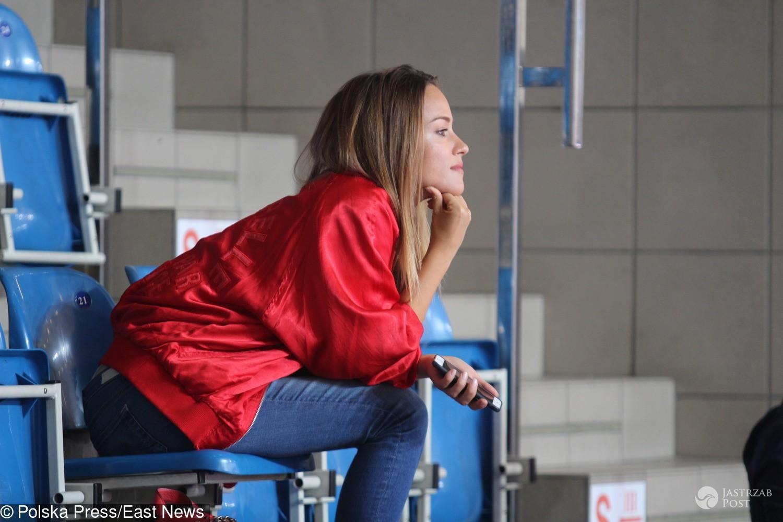 Alicja Bachleda-Curuś kibicuje Marcinowi Gortatowi na obozie sportowym
