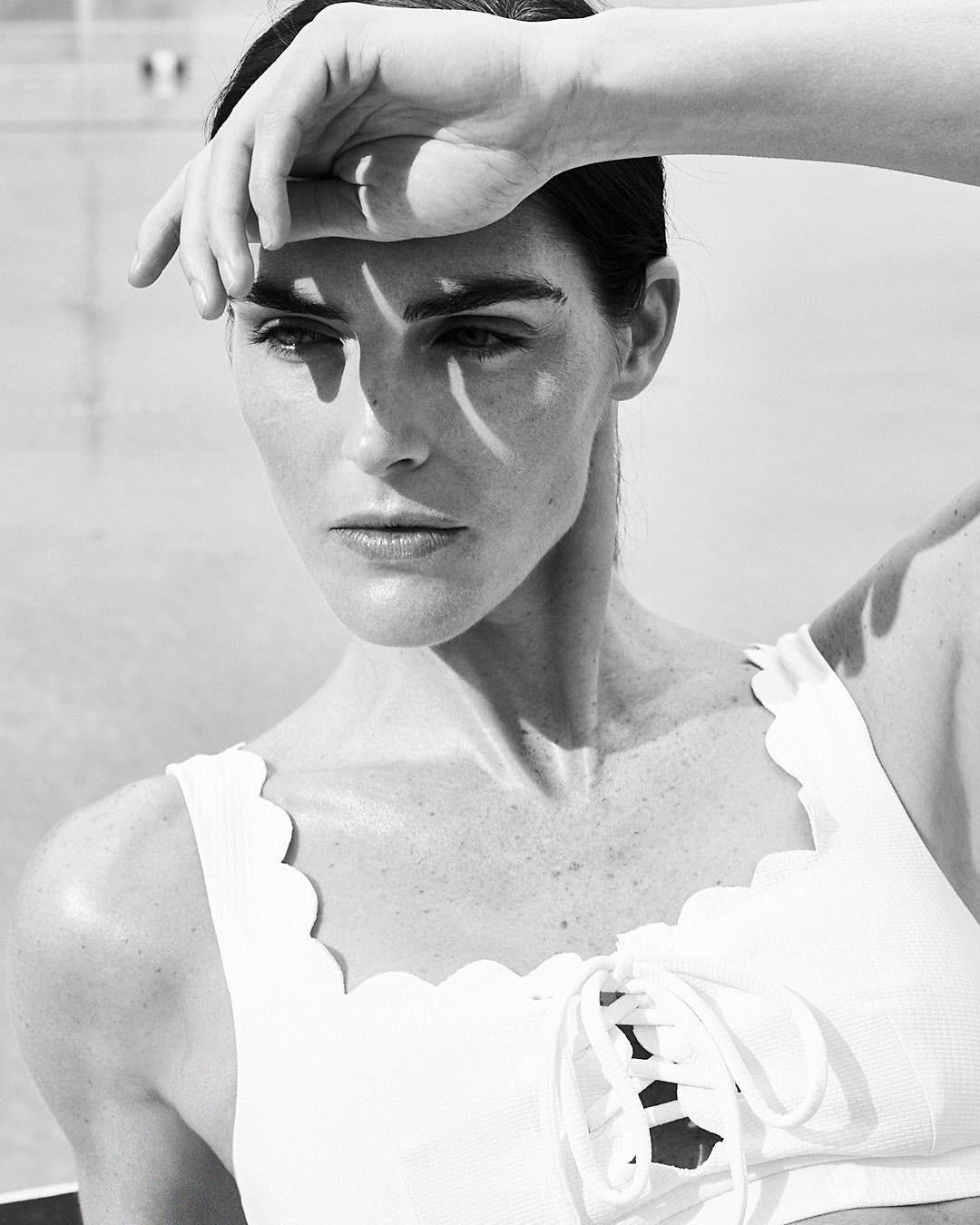 Hilary Rhoda w bikini polskiej marki Marysia