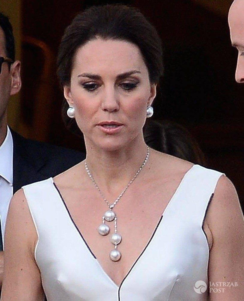 Księżna Kate w sukni Gosi Baczyńskiej w Łazienkach