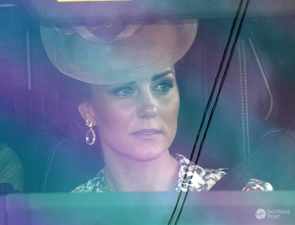 Księżna Kate w sukience z Zary z przeceny