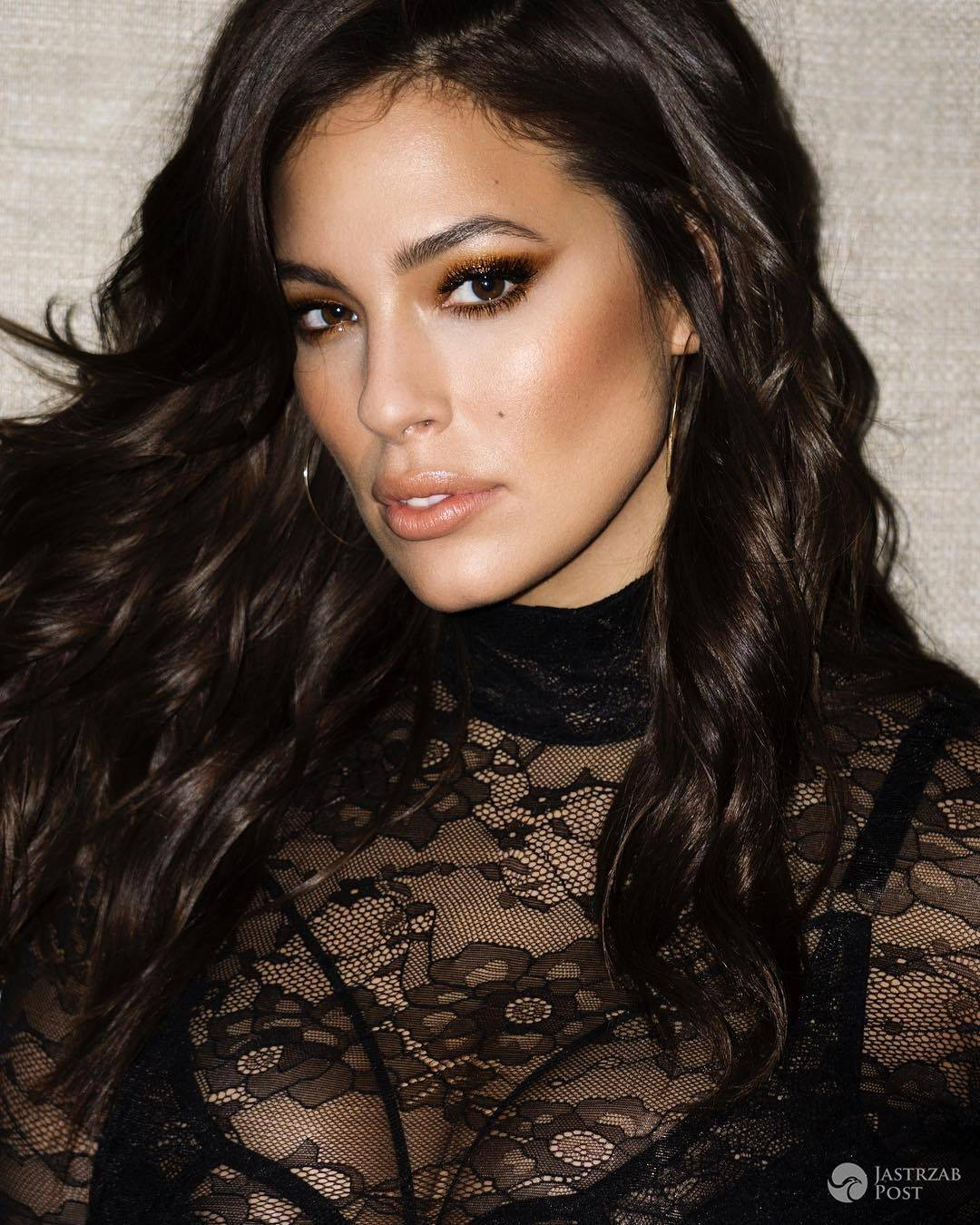 Ashley Graham o rozmiarze XXL nago