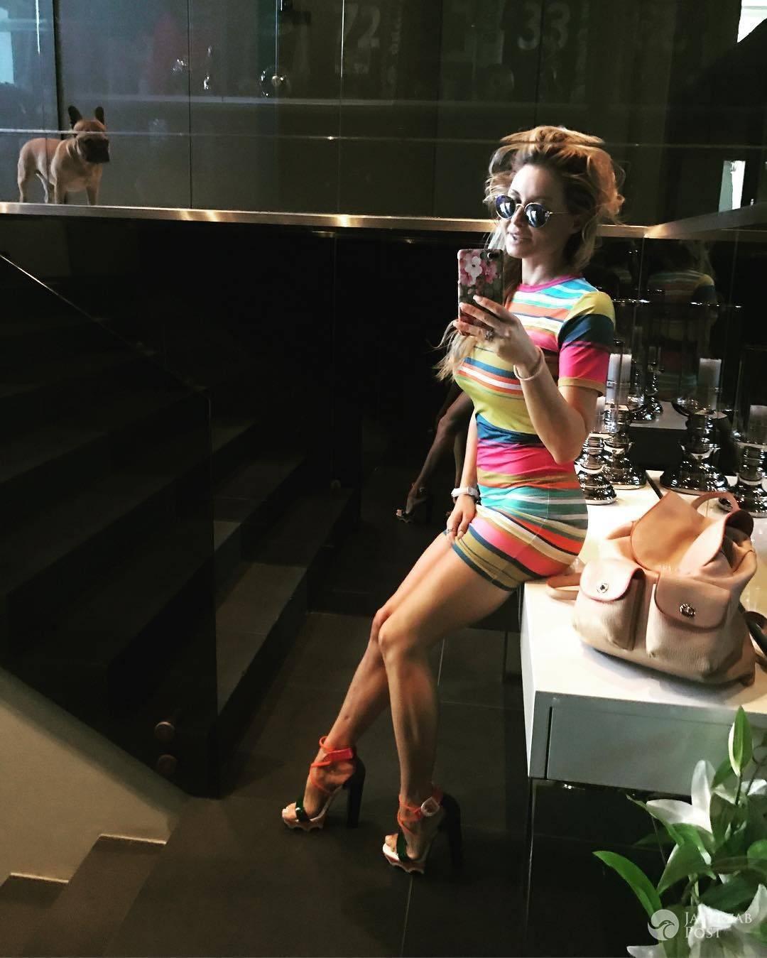 Małgorzata Rozenek pokazała zgrabne nogi w krótkiej mini