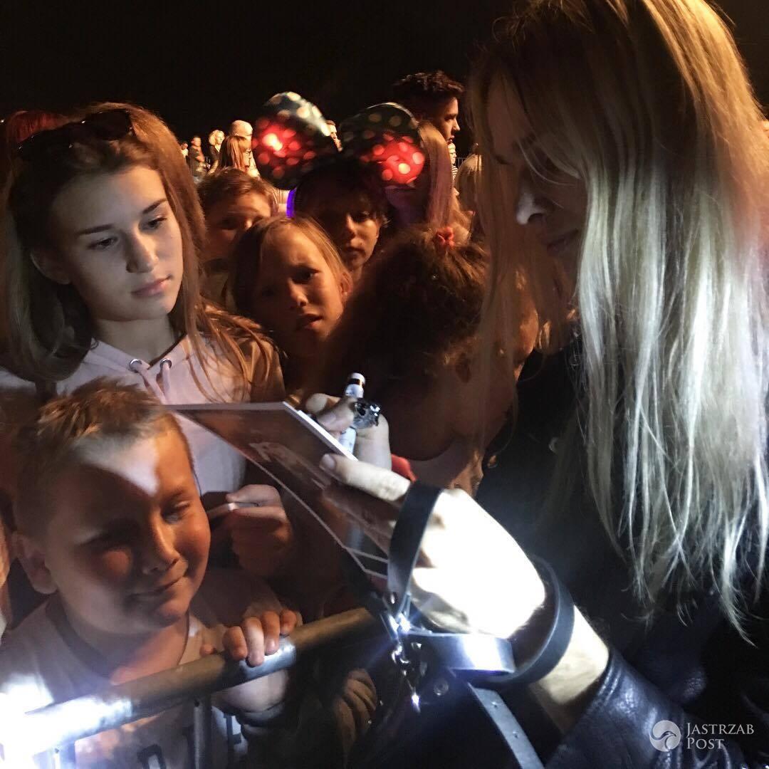 Mateusz Maga po koncercie rozdał 700 autografów