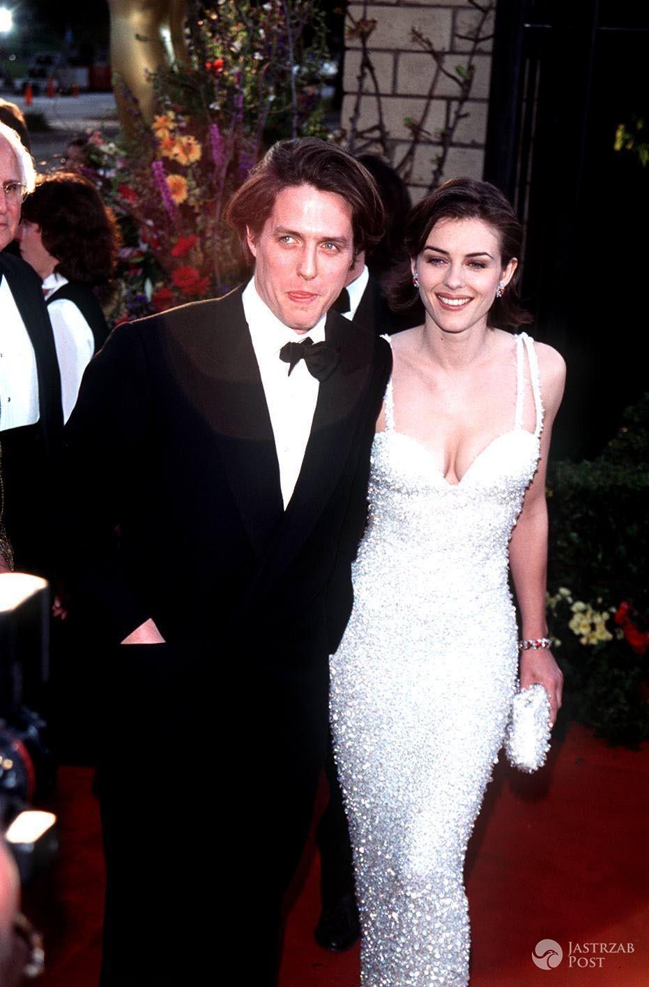 Elizabeth Hurley i Hugh Grant w 1995 roku