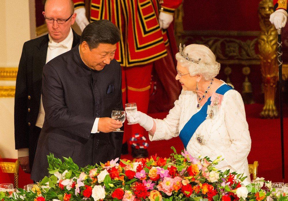 Jaki alkohol lubi królowa Elżbieta II?