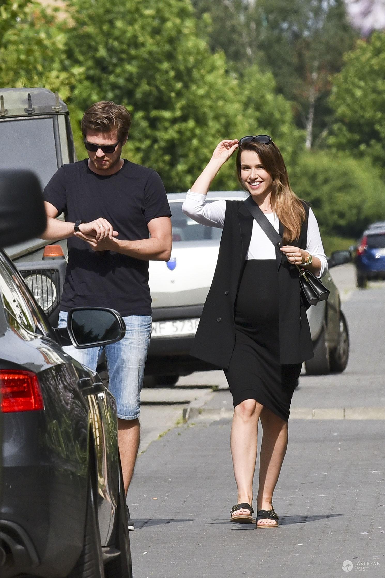 Marta Żmuda Trzebiatowska w ciąży z mężem na randce