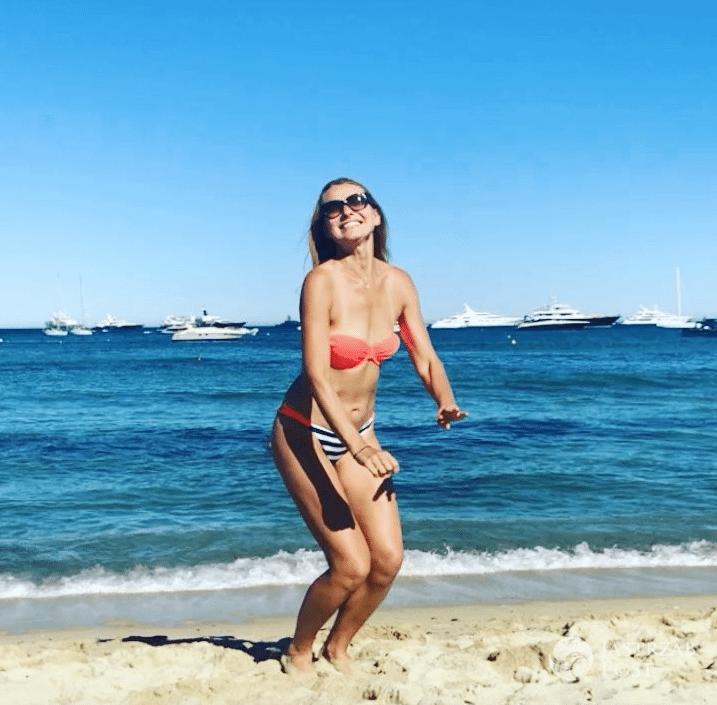 Joanna Moro w bikini na wakacjach