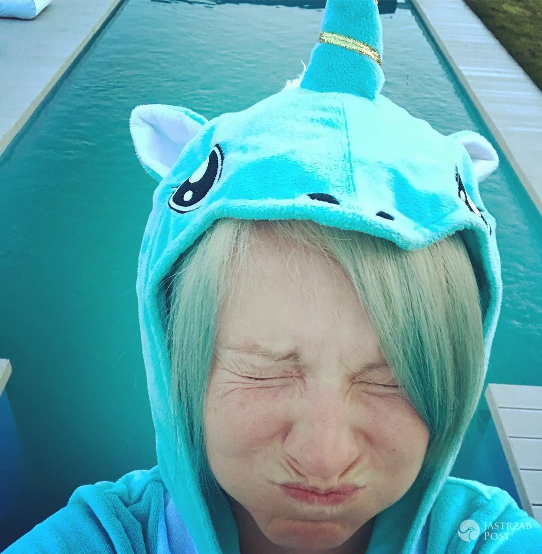 Dorota Szelągowska w niebieskich włosach