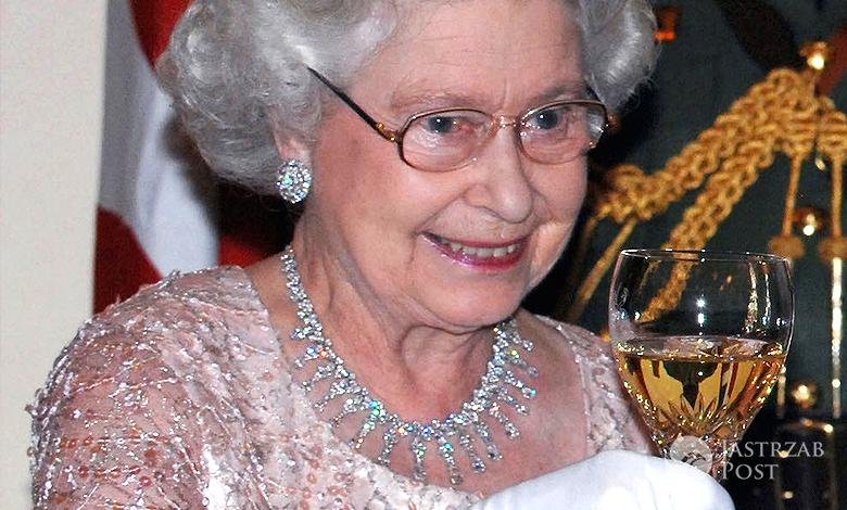 Królowa Elżbieta II alkohol