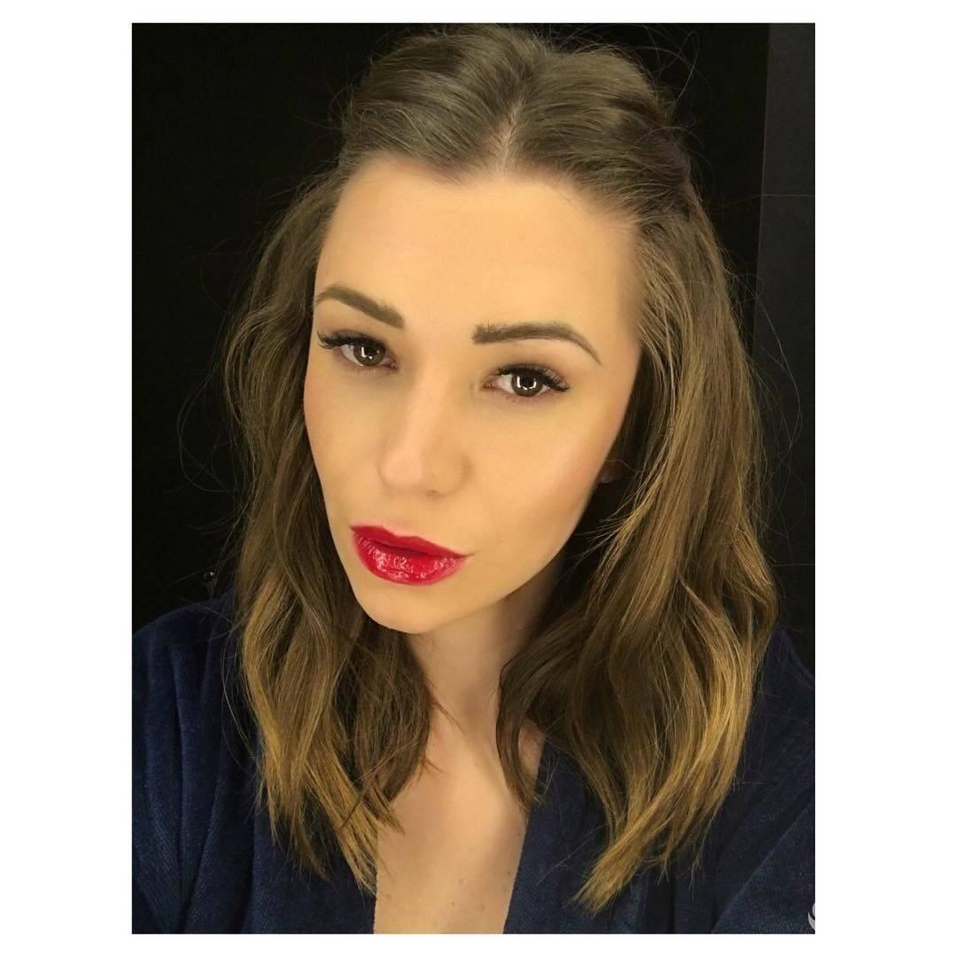 Agnieszka Szczurek w mocnym makijażu