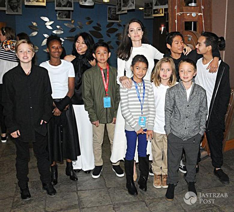 Angelina Jolie z dziećmi na premierze filmu