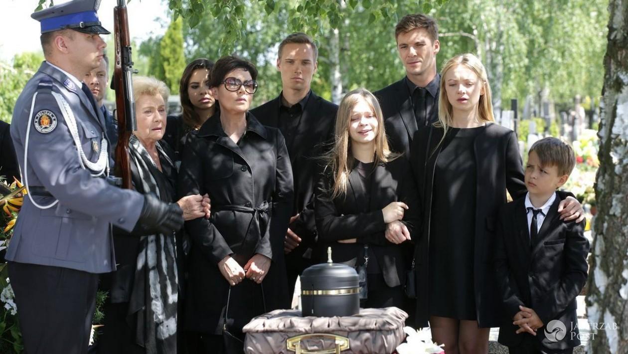 Pogrzeb Tomka Chodakowskiego w M jak Miłość