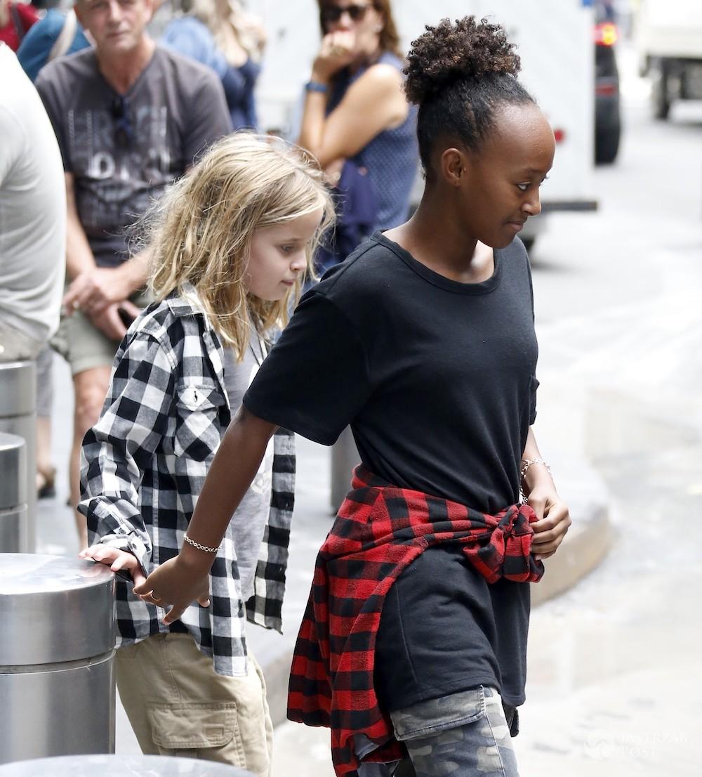 Vivienne Marcheline Jolie-Pitt i Zahara Jolie-Pitt w Nowym Jorku