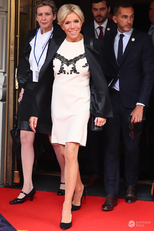 Brigitte Macron w spiętych włosach