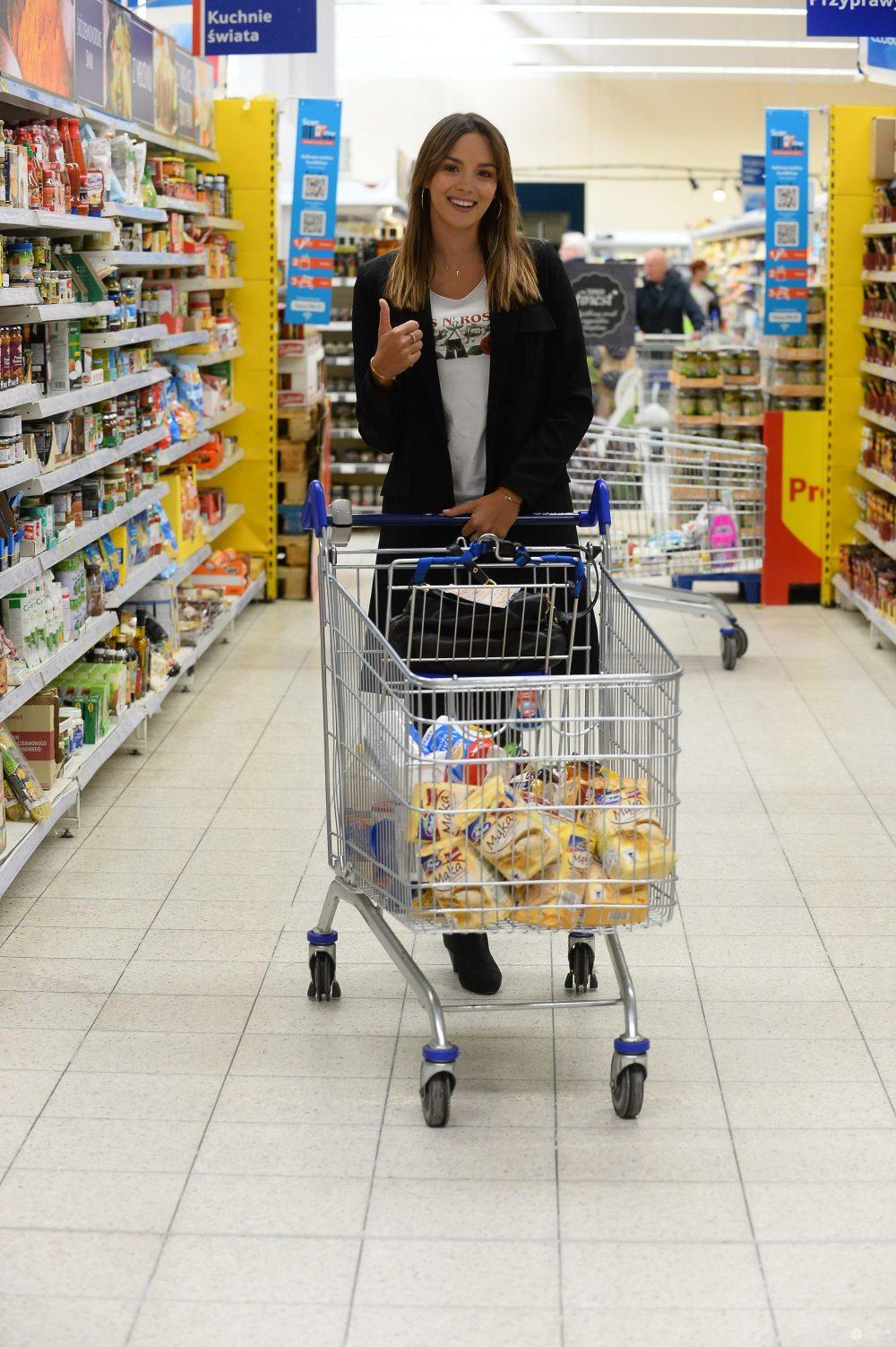 Paulina Krupińska na zakupach w Tesco