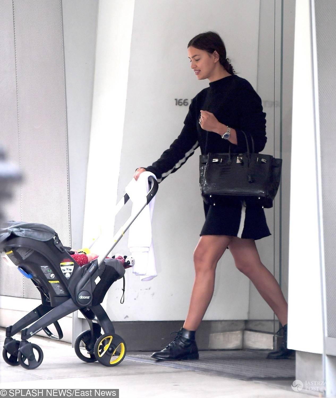 Irina Shayk na spacerze z córką Leą