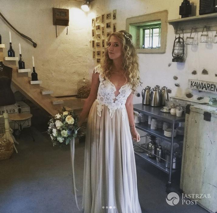 Lara Gessler w sukni ślubnej