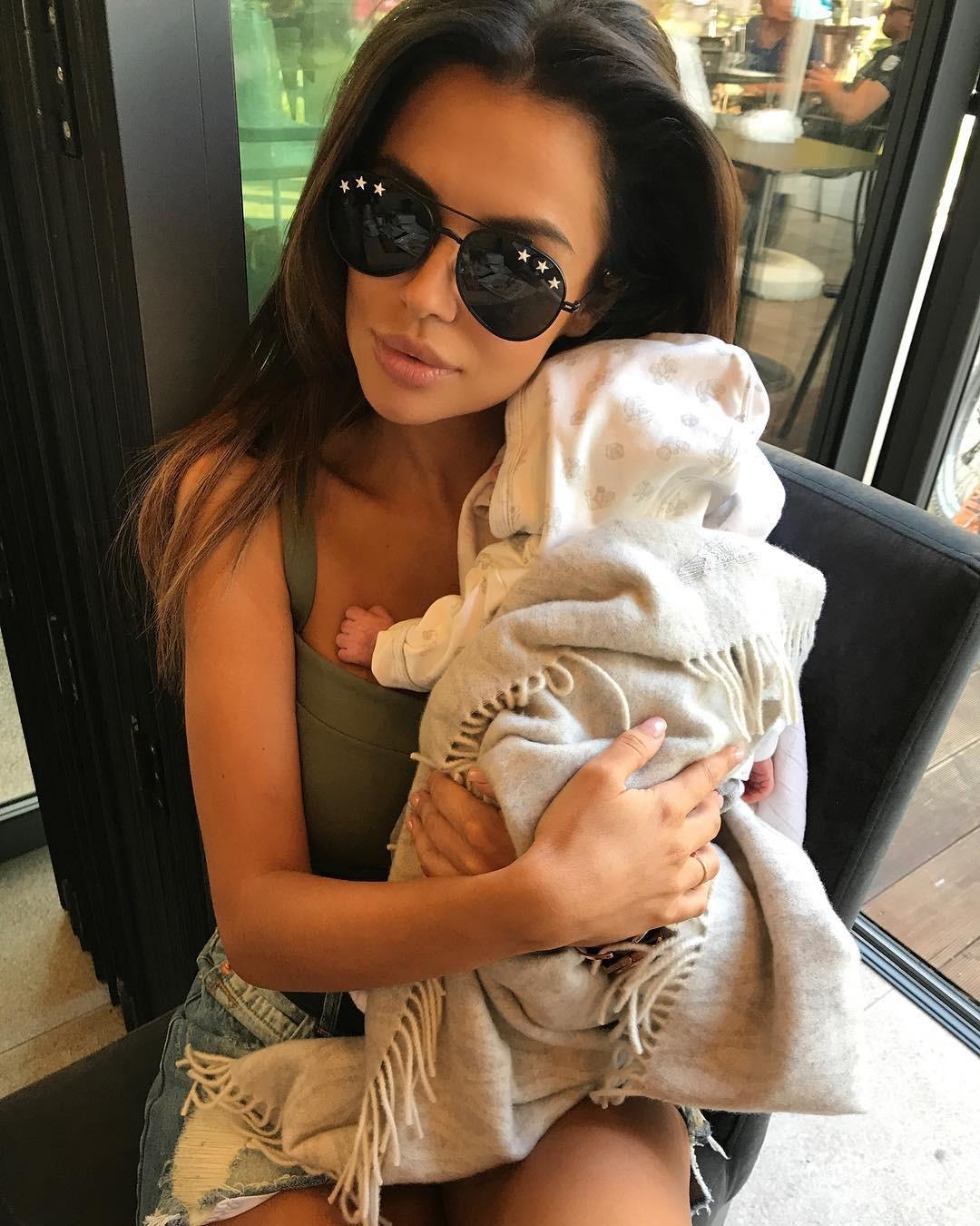 Natalia Siwiec pokazała córkę i płaski brzuch