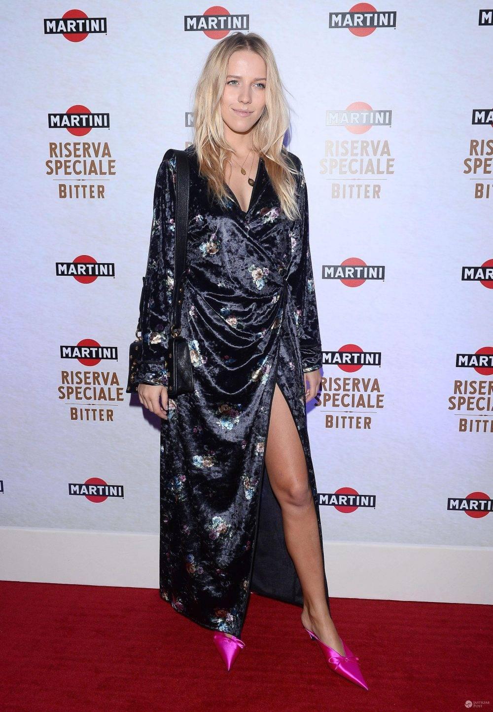 Jessica Mercedes w butach Balenciaga