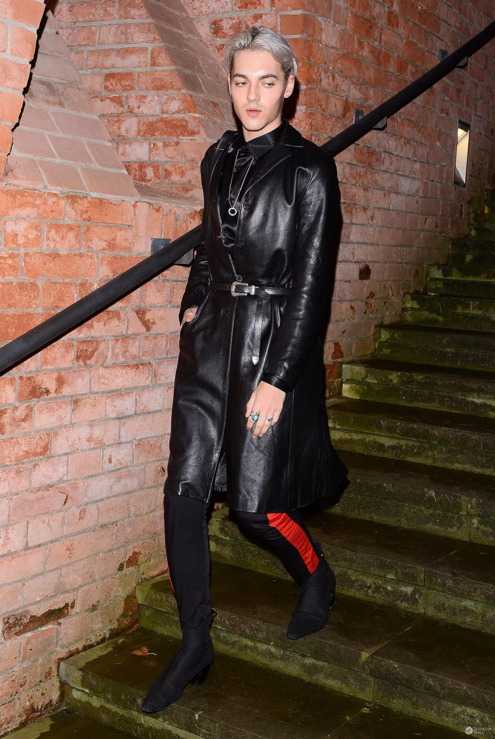 Radek Pestka nosi damskie buty