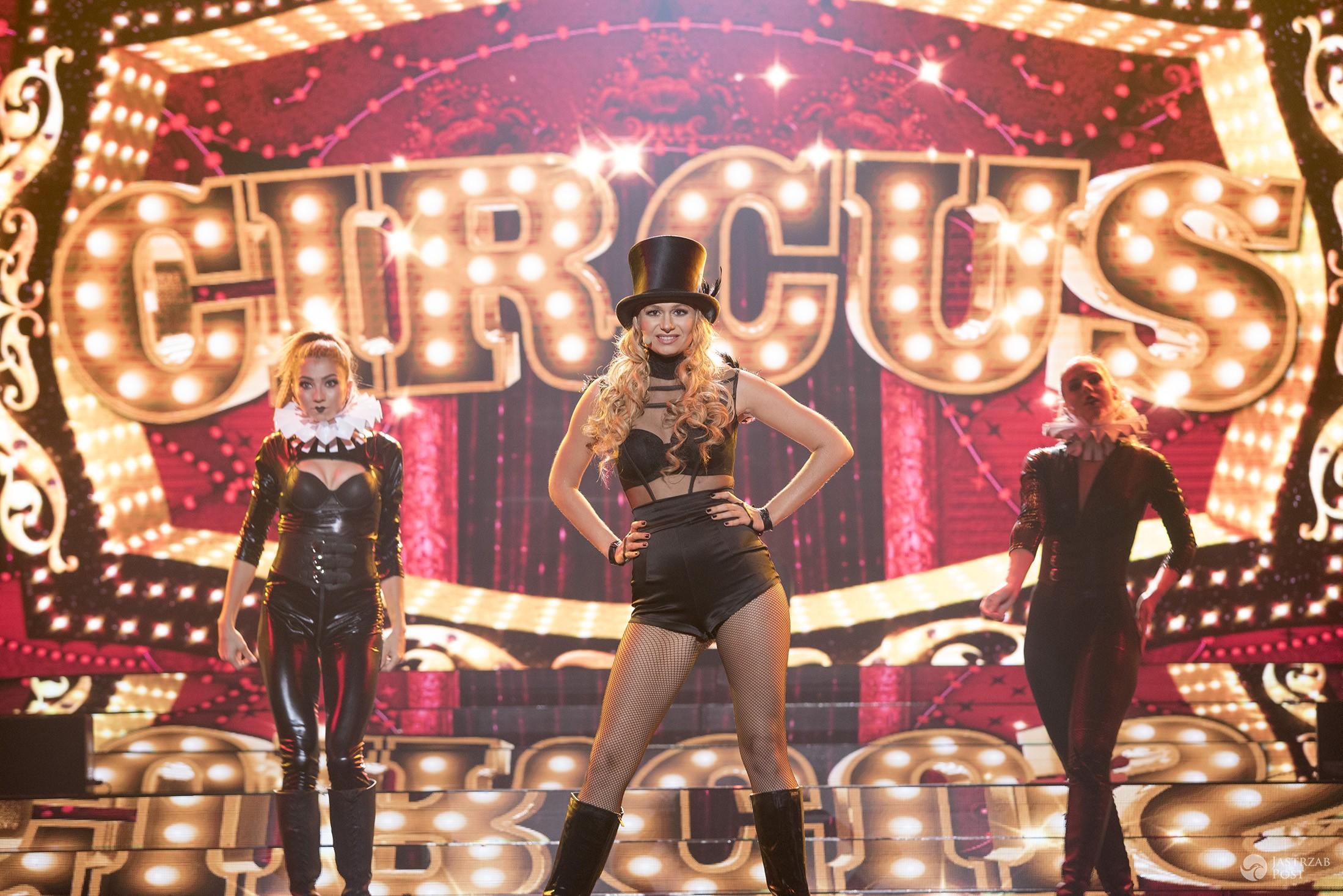 Ola Gintrowska jako Britney Spears w Twoja Twarz Brzmi Znajomo 8