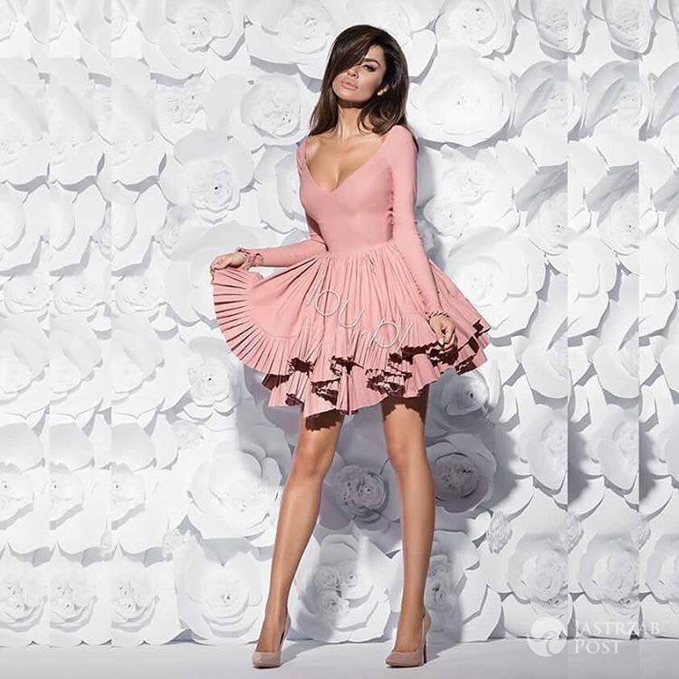 Natalia Siwiec w cukierkowe różowejj sukience
