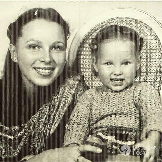 Weronika Książkiewicz w dzieciństwie