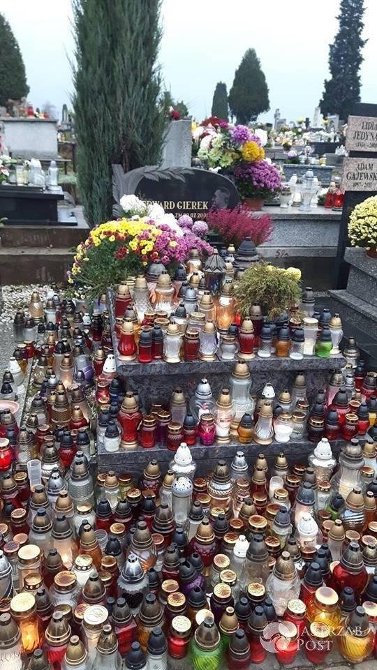 Zdjęcie (17) Groby gwiazd — Jedne skromne, inne oblegane przez fanów: Kora, Violetta Villas, Paweł Adamowicz