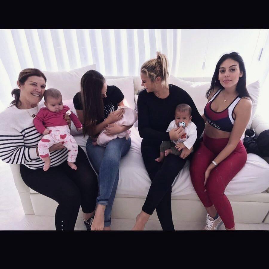 Georgina Rodriguez pokazała brzuch tydzień po porodzie