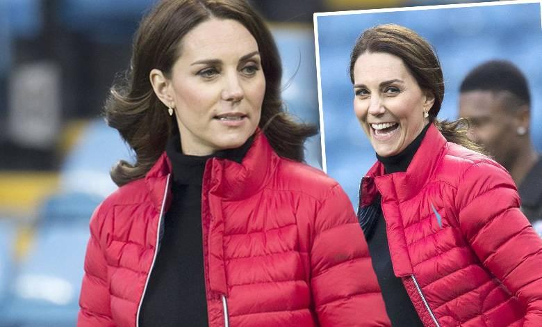 Księżna Kate pokazała ciążowy brzuszek
