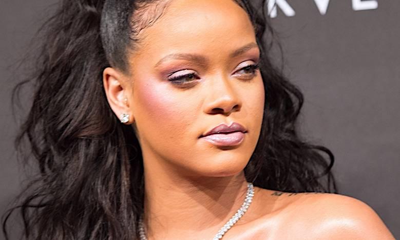 Rihanna, podróbki sprzedaje wujek