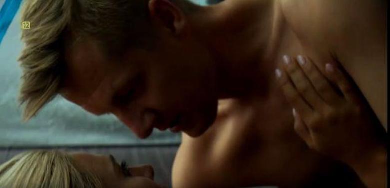 Zdjęcie (3) M jak miłość: Nagie sceny w serialu! Paweł z nową kochanką spędzą upojną noc. Potem rozegra się dramat
