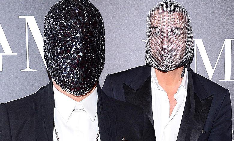 Michał Piróg i Dawid Woliński w maskach na imprezie
