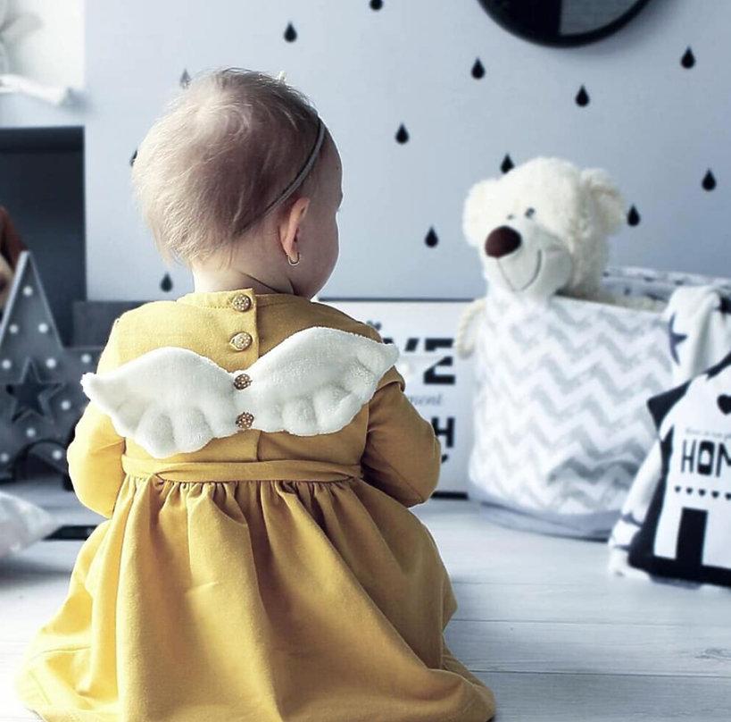 Zdjęcie (10) Córeczki Pauliny Sykut-Jeżyny oraz Anny Lewandowskiej wystrojone w takich samych ubrankach! Rosną kolejne ikony stylu :)