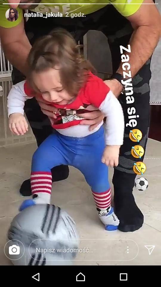 Tomasz Iwan uczy syna grać w piłkę