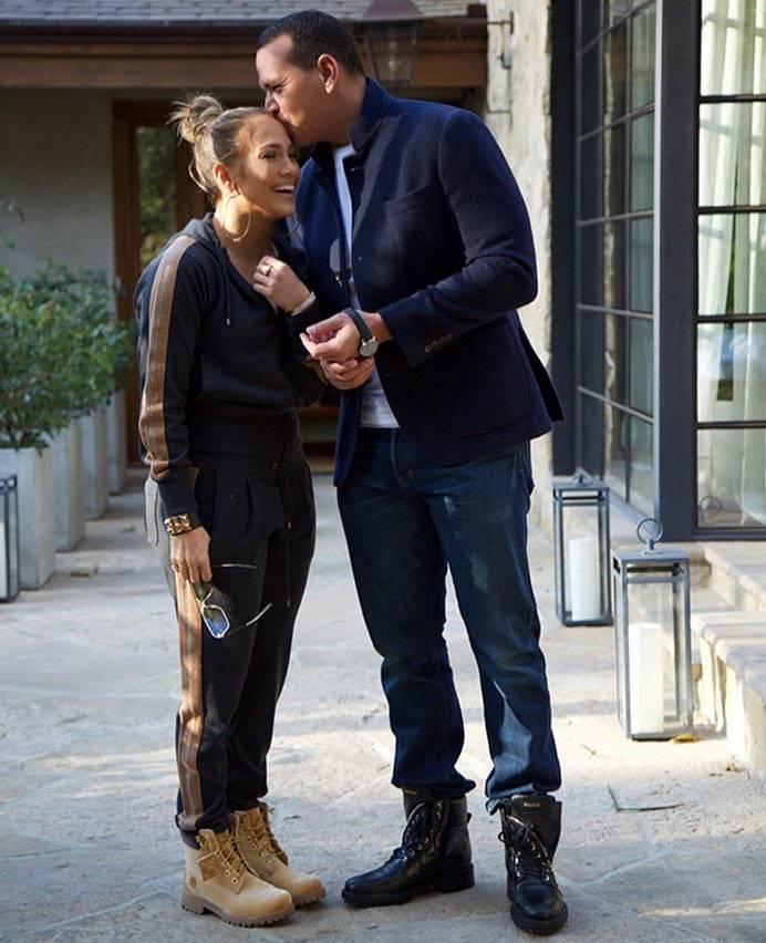 Jennifer Lopez w dresach i traperach na randce
