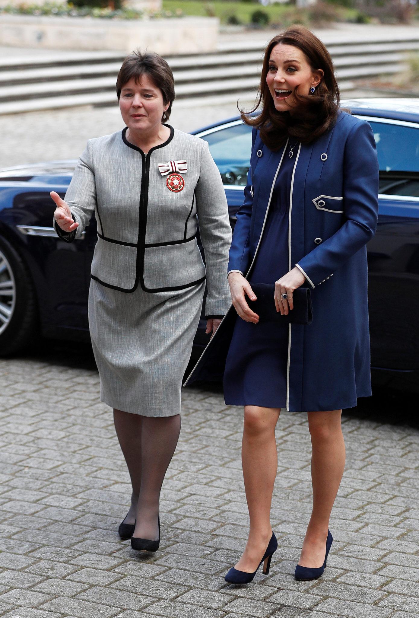 Księżna Kate pokazała duży ciążowy brzuch