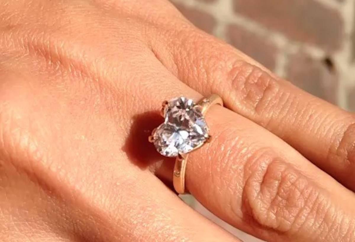 Victoria Beckham – pierścionek zaręczynowy – 19-karatowy brylant w kształcie serca