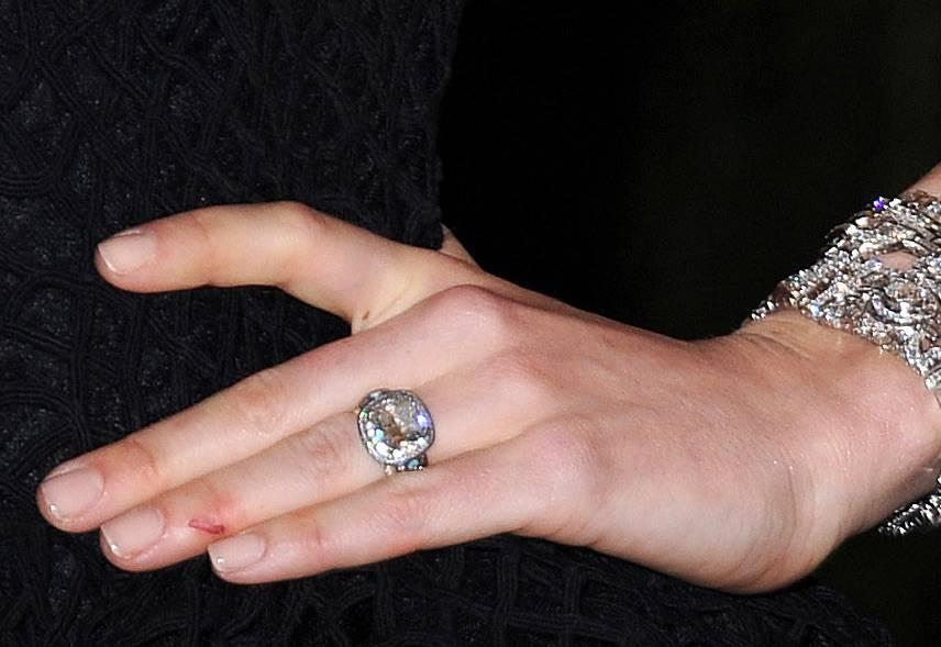 Jessica Biel Pierścionek Zaręczynowy Z 6 Karatowy Brylantem