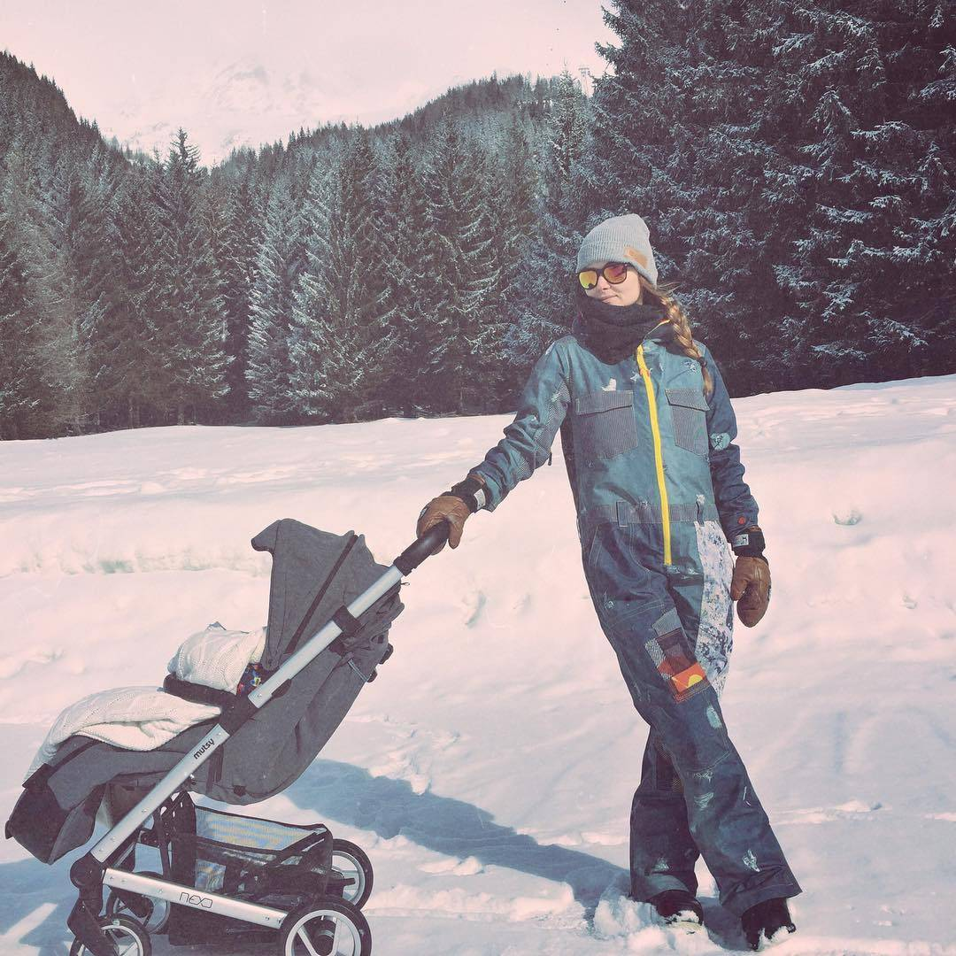 Ania Rusowicz na spacerze z synem Tytusem