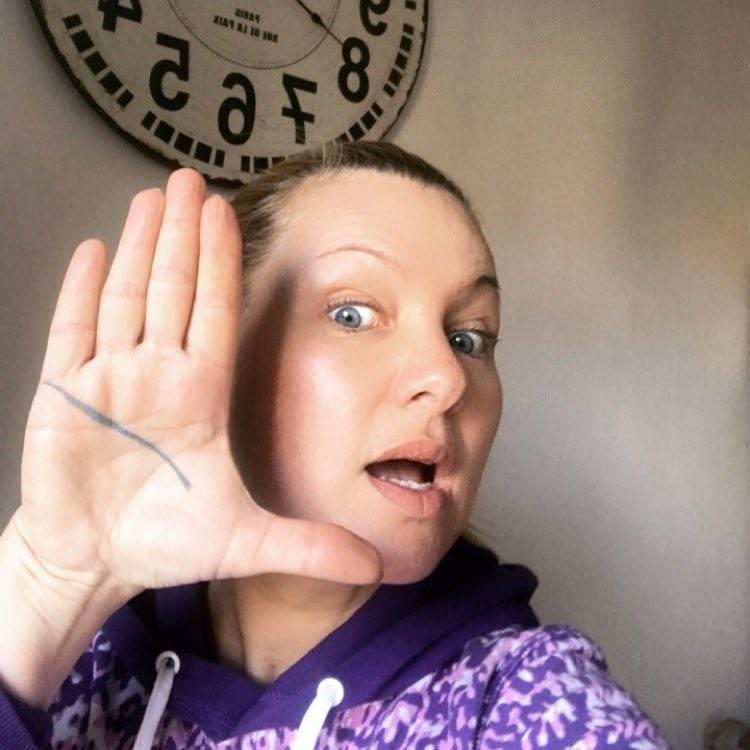 Katarzyna Bujakiewicz bez makijażu w szczytnym celu