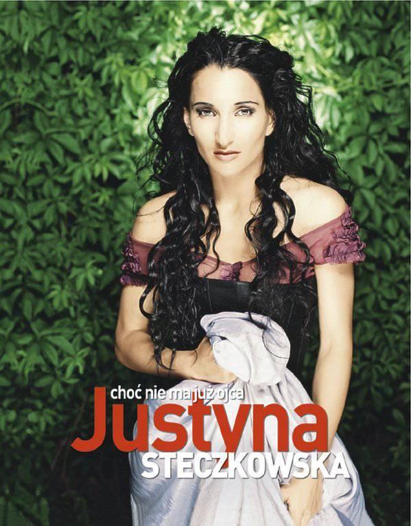 Justyna Steczkowka na okładce magazynu Viva! - czerwiec 2002