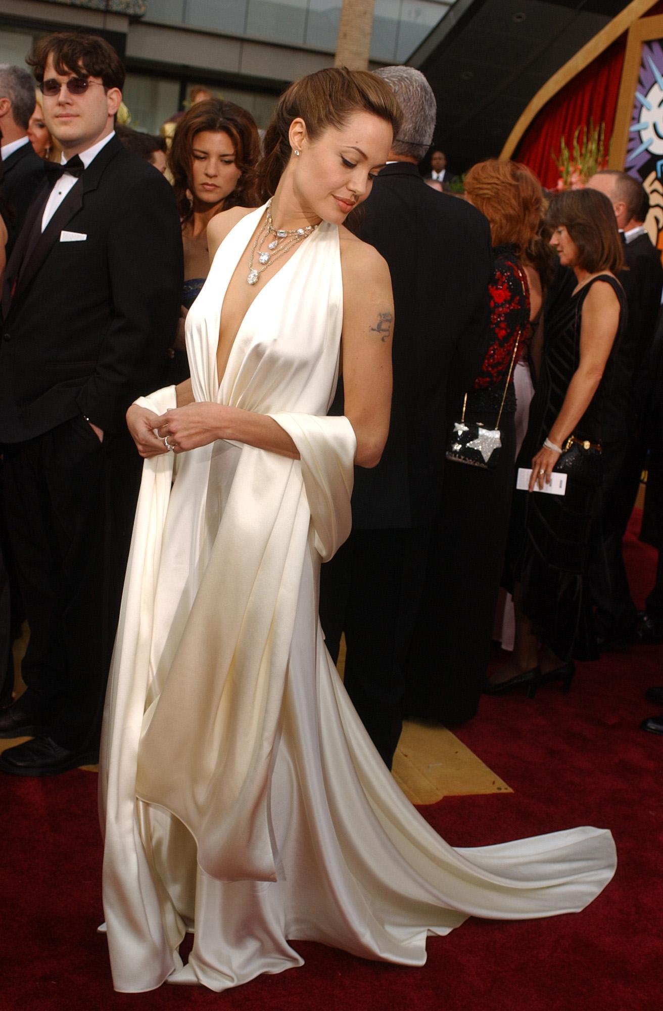 Angelina Jolie – Oscary 2004