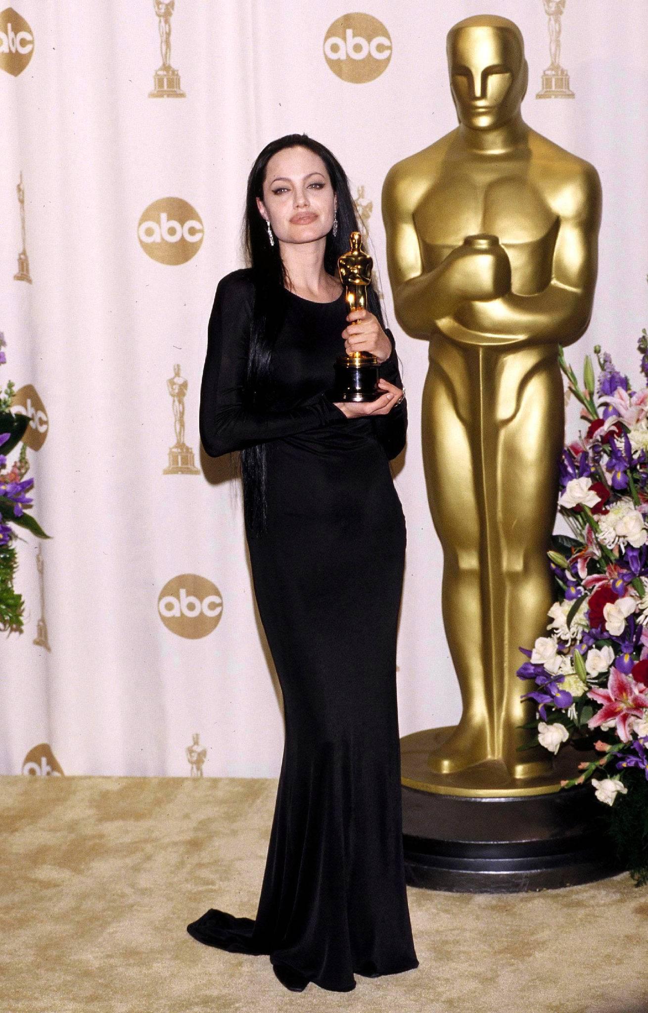 Angelina Jolie – Oscary 2000