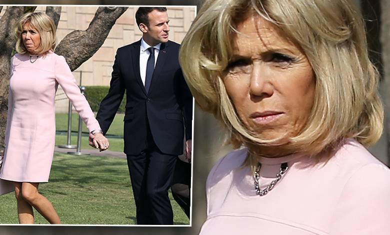 Emmanuel Macron i Brigitte Macron boso w Nowym Delhi w Indiach
