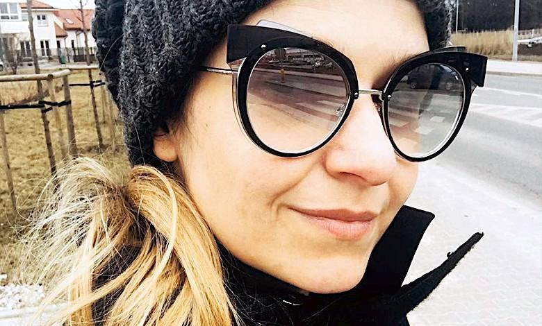 Joanna Koroniewska na spacerze z córką