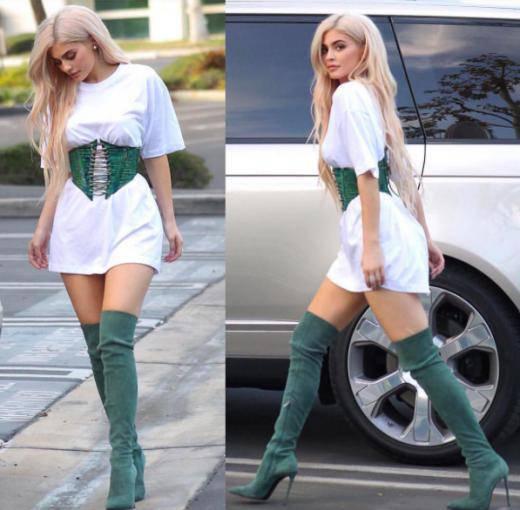 Kylie Jenner w gorsecie