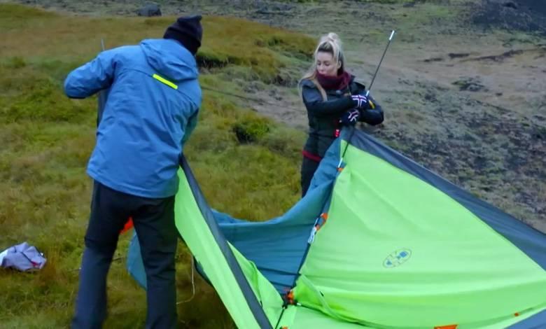 Małgorzata Rozenek z Radkiem Majdanem rozbijają namiot w