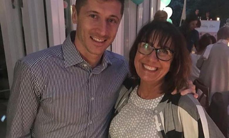 Co Robert Lewandowski robił w czasie finału Ligi Mistrzów? Zorganizował przyjęcie dla mamy z okazji Dnia Matki! Nie uwierzycie kogo ściągnął na prywatny koncert!